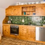 Die vollständig eingerichtete Küchenzeile